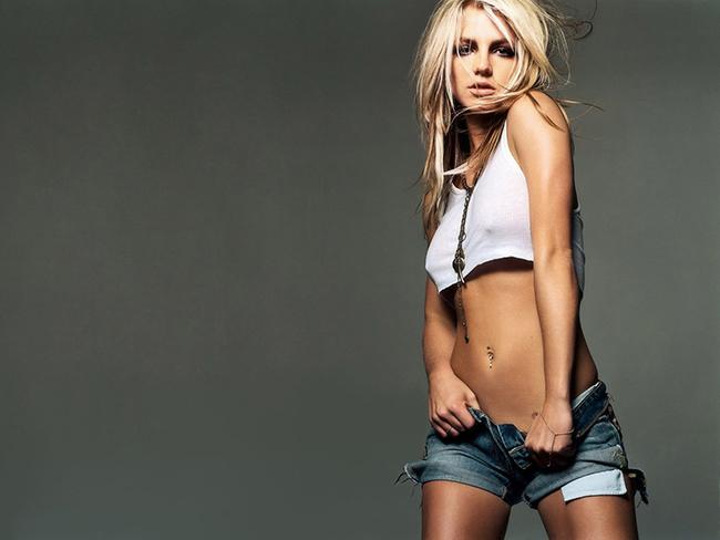 Britney Spears, nàng công chúa nhạc Pop xinh đẹp trên các tấm bìa tạp chí...