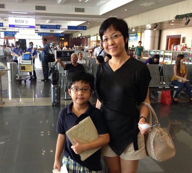 Cậu con trai củaMC Thảo Vânvà danh hài Công Lý năm nay đã được 8tuổi. Bé thông minh và khuôn mặt giống mẹ nhiều nét.