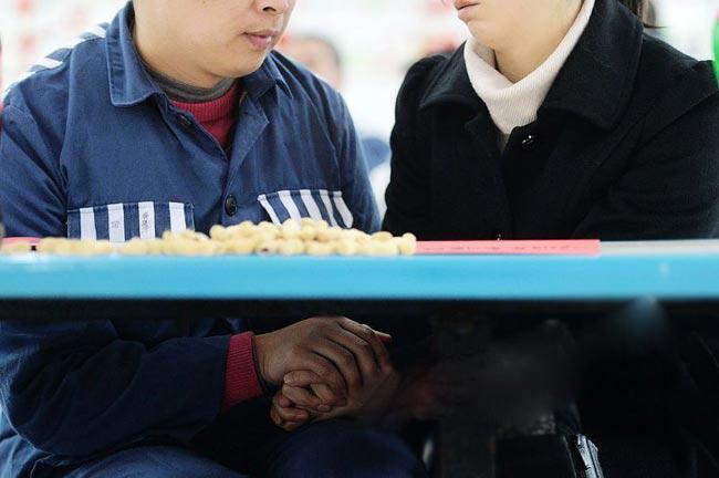 Quan chức phụ trách nhà tù Trùng Khánh cho biết ông hy vọng chính sách mới này của nhà tù sẽ giúp các tù nhân cảm thấy bớt cô đơn trong ngày lễ tình yêu, đồng thời khiến họ có thêm quyết tâm cải tạo để sớm hòa nhập xã hội.