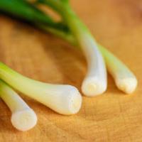 Hành lá - vị thuốc tuyệt vời cho bệnh loãng xương và gãy xương