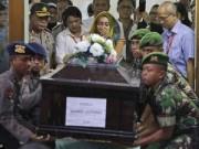Tin tức - Nghẹn ngào tang lễ nạn nhân đầu tiên vụ QZ8501