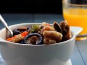 Bếp Eva - Đậm đà thịt gà om nấm hương khô