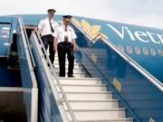 Tin tức - Lương năm 2015 sẽ tăng cao, phi công VNA có chịu ở lại?