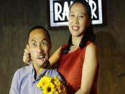 Làng sao - Phạm Anh Khoa được vợ xinh đẹp quan tâm hết mực