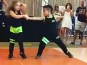 Clip Eva - Hai em bé nhảy cực đỉnh theo nhạc