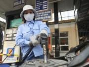 Tin tức - DN xăng dầu vẫn lãi đậm: Kỳ vọng giá giảm tiếp