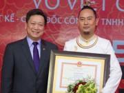 Thời trang - Võ Việt Chung nhận bằng khen cao quý của Bộ trưởng Bộ VHTTDL