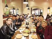 Hậu trường - Nghệ sĩ, hot teen Hà Nội tấp nập tụ họp đầu năm