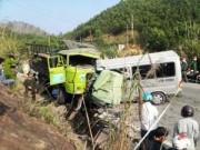 Tin tức - Thanh Hóa: Xe khách tông xe tải, 9 người tử vong