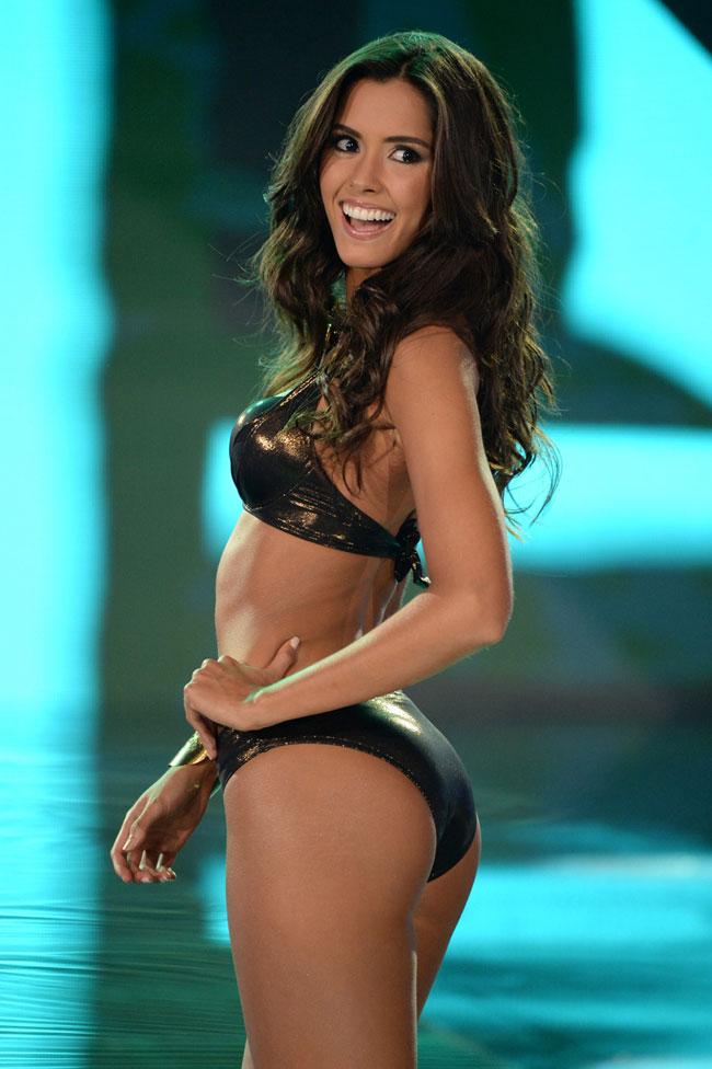 Người đẹp Colombia, Paulina Vega đăng quang Hoa hậu hoàn vũ 2014 nhận được đông đảo sự tán thành của khán giả. Paulina Vega sinh năm 1993, sở hữu chiều cao 1,78m và số đo ba vòng là 90-60-95