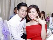 Làng sao - Vân Trang khoe người yêu trong đám cưới Huỳnh Đông