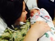 Bà bầu - Đẻ ở Mỹ: Mẹ đi lại ngay một giờ sau sinh