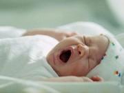 """Làm mẹ - Lý do """"ngã ngửa"""" khiến trẻ sơ sinh chậm tăng cân"""