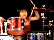 Clip Eva - Thần đồng 7 tuổi Việt Nam chơi trống đẳng cấp