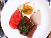 Bếp nhà tôi  - Thịt đà điểu áp chảo nóng hổi
