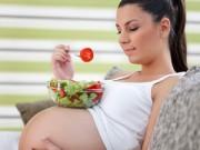 """Bà bầu - Thực phẩm ngày Tết mẹ bầu cần nói """"không"""""""