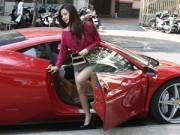 Làng sao - Midu được chồng sắp cưới lái siêu xe 15 tỷ chở đi mua sắm