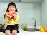 Làm mẹ - Qui tắc cho con ăn hoa quả đúng cách ít mẹ biết