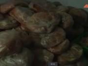 Tin tức - Kinh hãi giò chả làm từ thịt gà bốc mùi