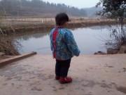 Làm mẹ - Bé 2 tuổi lang thang một mình 3km đón bố mẹ về ăn Tết