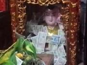 """Tin tức - Phủ Dầy: Tiền lẻ rải khắp nơi, """"che"""" cả thánh"""