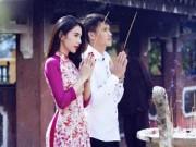 Làng sao - Vợ chồng Thủy Tiên diện áo dài đi lễ chùa