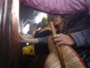 Tin tức - Xoa tiền lấy may trên chùa Đồng đỉnh Yên Tử