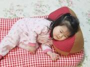 0-1 tuổi - Cho trẻ sơ sinh nằm gối: lạc hậu!