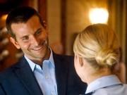 """Phim - Bradley Cooper và mối tình tay ba phức tạp trong """"Aloha"""""""