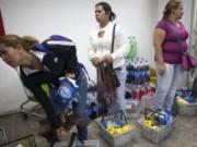Tin tức - Venezuela: Muốn vào siêu thị, phải kiểm tra vân tay
