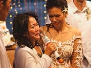 Làng sao - Phương Vy Idol bức xúc vì váy cưới mẹ may bị chê