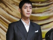 """Làng sao - Kim Hyun Joong nhập ngũ """"né"""" scandal làm bố"""