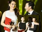 Trương Ngọc Ánh nhận giải Cánh diều từ tay chồng cũ