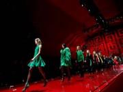Thời trang - 3 show thời trang khiến người xem mê mẩn
