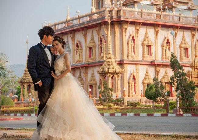 Y Năng Tịnh và Tần Hạo đã đến Phuket - Thái Lan để thực hiện bộ ảnh cưới lãng mạn.
