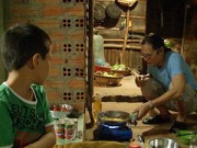 Dạy con - Tập 21 Bố ơi: Trần Lực bị bỏng vì nấu cơm chung
