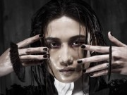 Người mẫu - 'Chiến binh' Kha Mỹ Vân sắc lạnh trong bộ ảnh tại Milan