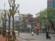 Những tuyến đường vắng bóng cây xanh ở Thủ đô