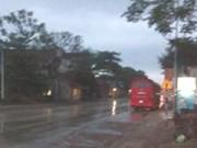 Tin nóng trong ngày - Nghệ An: Mưa đá kèm gió lốc, người dân hoảng hốt
