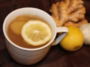 Làm mẹ - Làm trà gừng vừa ngọt vừa thơm trị ho cho bé nhanh khỏi