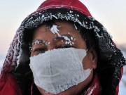 Tin tức - Ảnh: Trung Quốc giá rét kỷ lục tới mức lông mày đóng băng
