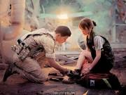 Làng sao - Song Joong Ki quỳ gối, buộc dây giày cho Song Hye Kyo