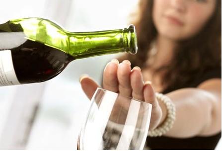 7 mẹo ăn uống ngày Tết giúp bạn giữ vóc dáng