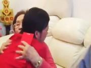 Clip Eva - Hoài Linh bật khóc khi nghe cha mẹ dặn dò đầu năm
