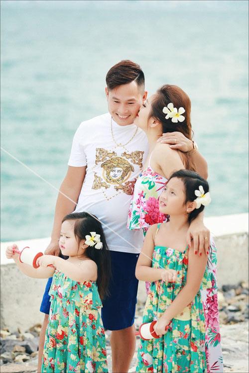Bo Anh Ngot Ngao Cua Gia Dinh Sinh Con Gai Mot Be - 1