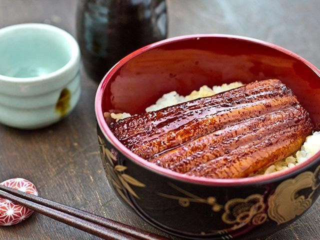 Thèm chảy nướng miếng với cơm lươn nướng kiểu Nhật