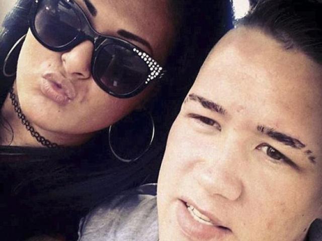 Giết bạn trai vì cắm mặt vào Facebook