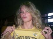 """Taylor Swift gây sốc khi lộ bình luận """"văng tục"""" hồi trẻ"""