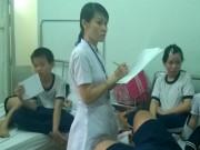 Tin tức - TP.HCM: Hàng chục học sinh ngộ độc sau bữa ăn trưa