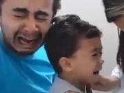 Clip hài hước ông bố cho con đi tiêm khóc to hơn con